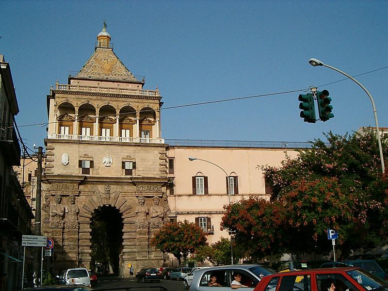Palermo cultura turismo servizi cinema teatro foto arte ricette - Porte a palermo ...